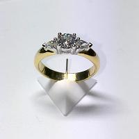 'Shayla' Diamond Engagement Ring - Round 0.69ct - I SI2